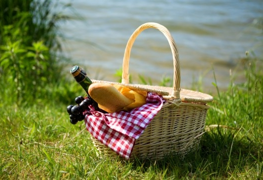 4 tips for packing picnic food safely